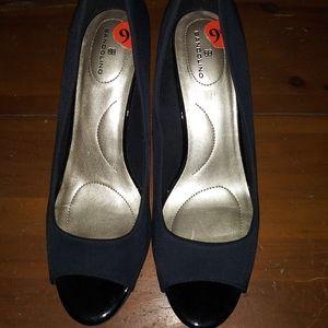 Bandolino open toe black leather wedge heel 9.5
